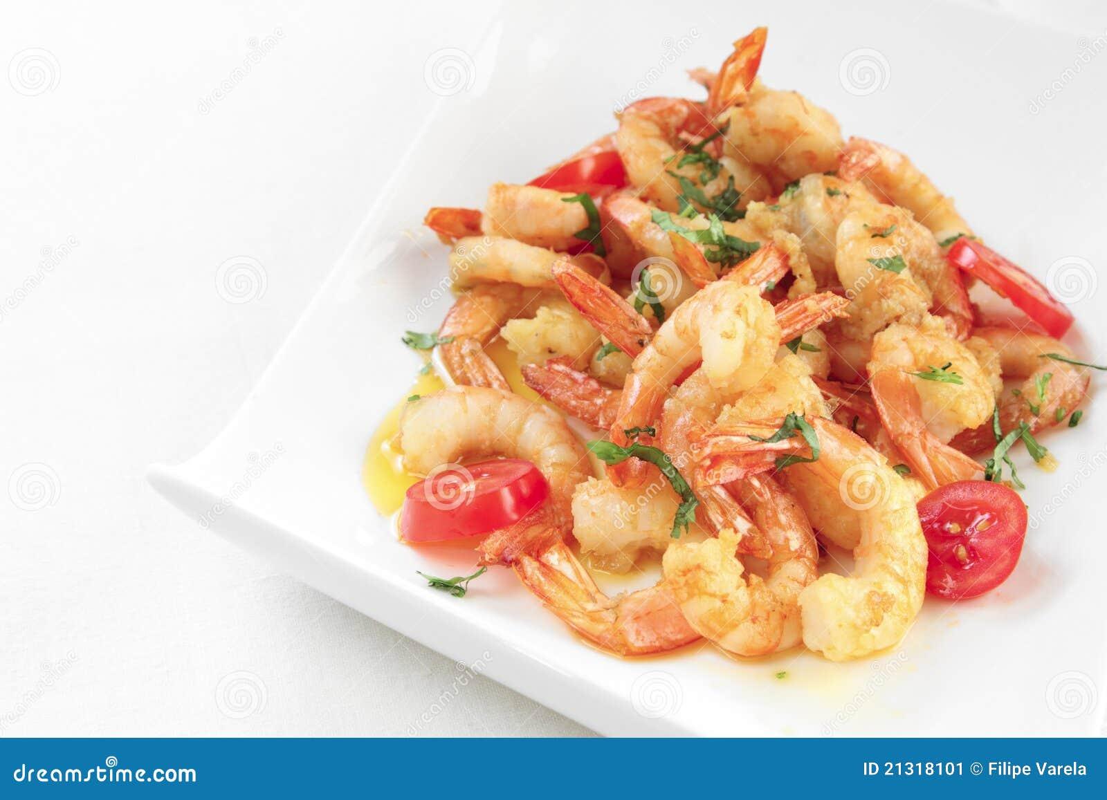 plato con camarones