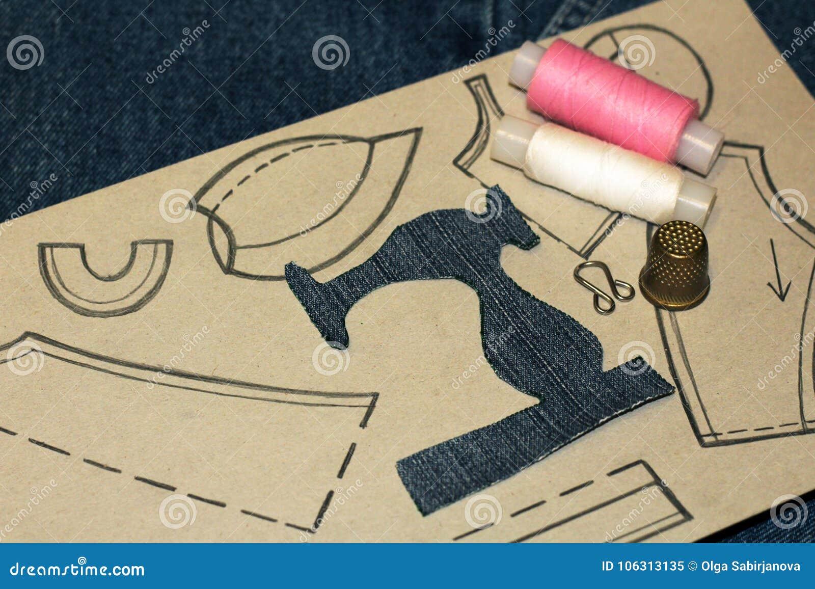 un pochoir d 39 une machine coudre des jeans habillement de dessin sur le papier image stock. Black Bedroom Furniture Sets. Home Design Ideas