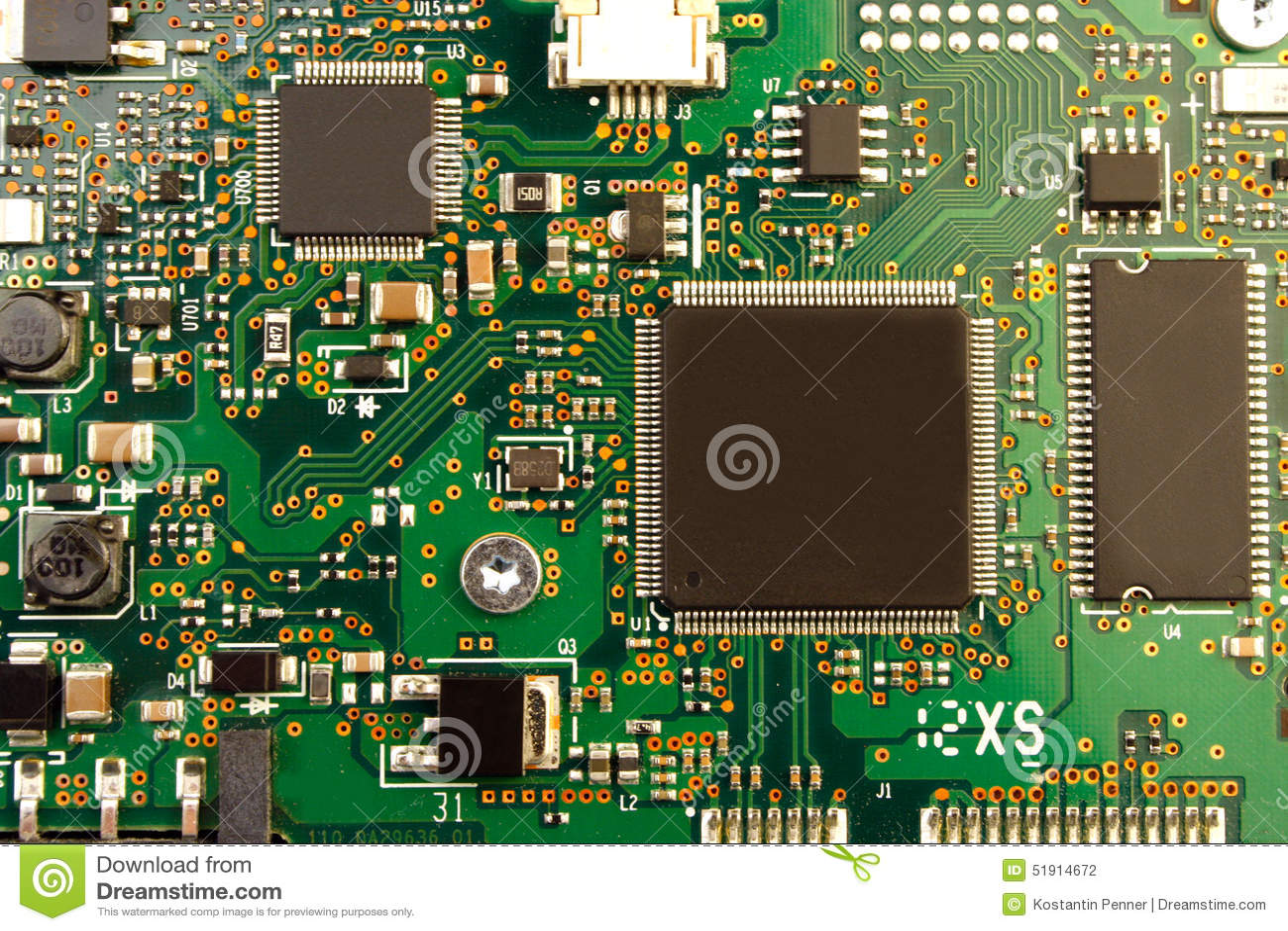 Un primer de la placa de circuito electrónica con el procesador