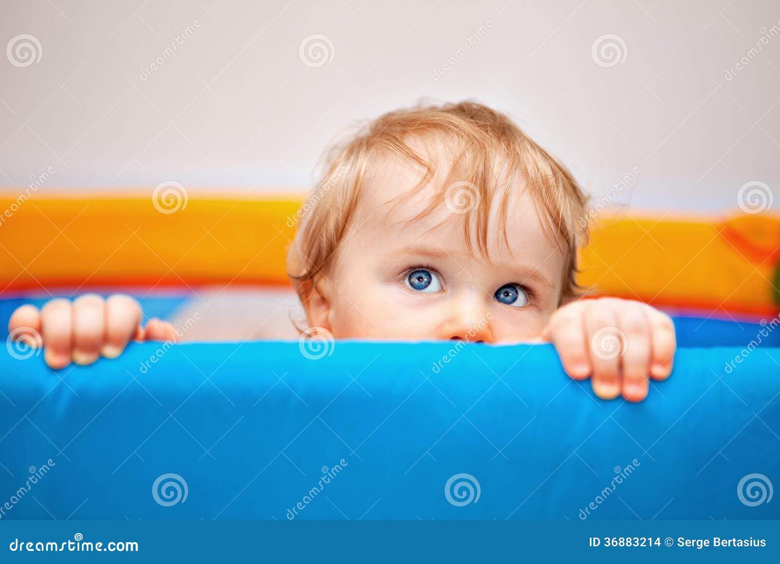 Download Un Primo Piano Di Un Neonato Di Anno Fotografia Stock - Immagine di caucasico, infanzia: 36883214