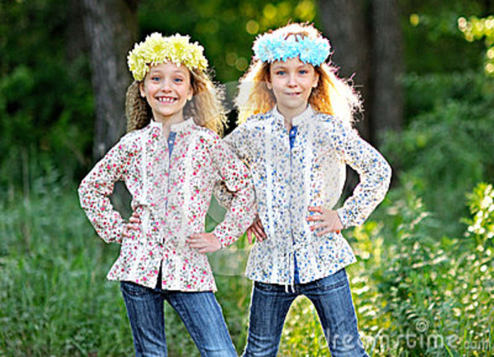 Download Un ritratto di due bambine fotografia stock. Immagine di capelli - 36877624