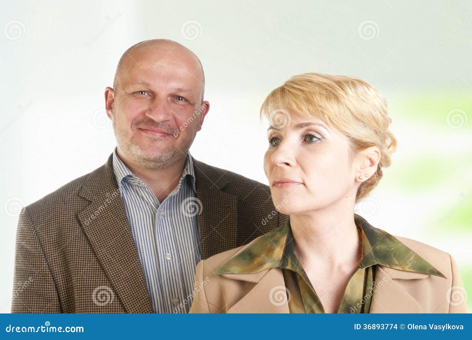 Download Un Ritratto Di Due Genti Di Affari Fotografia Stock - Immagine di successo, tenuta: 36893774