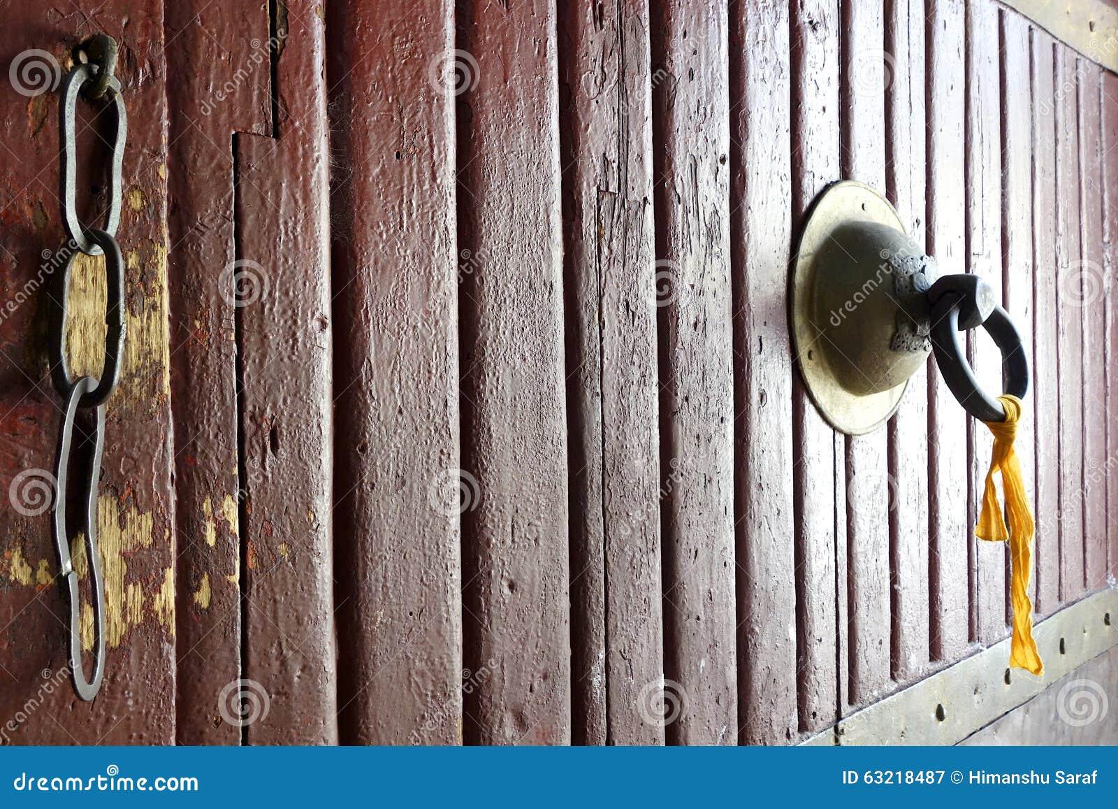 Un tirador de puerta de un fuerte en Bhután