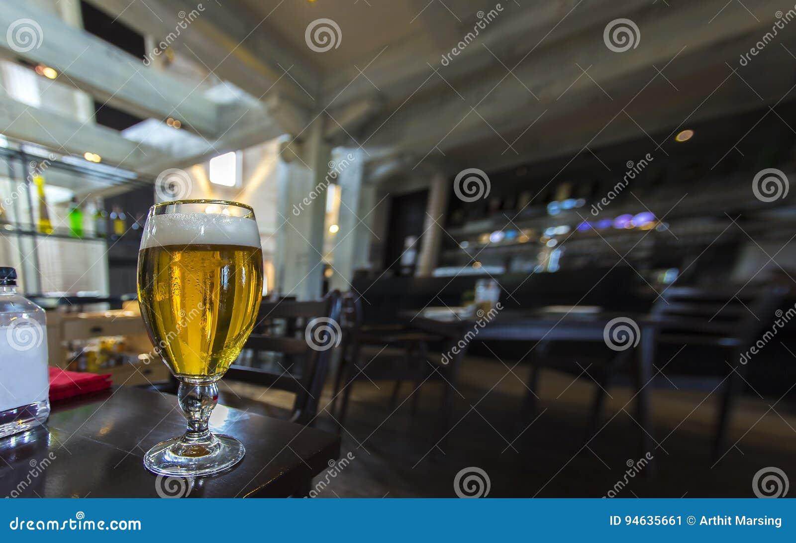 Un vetro di birra