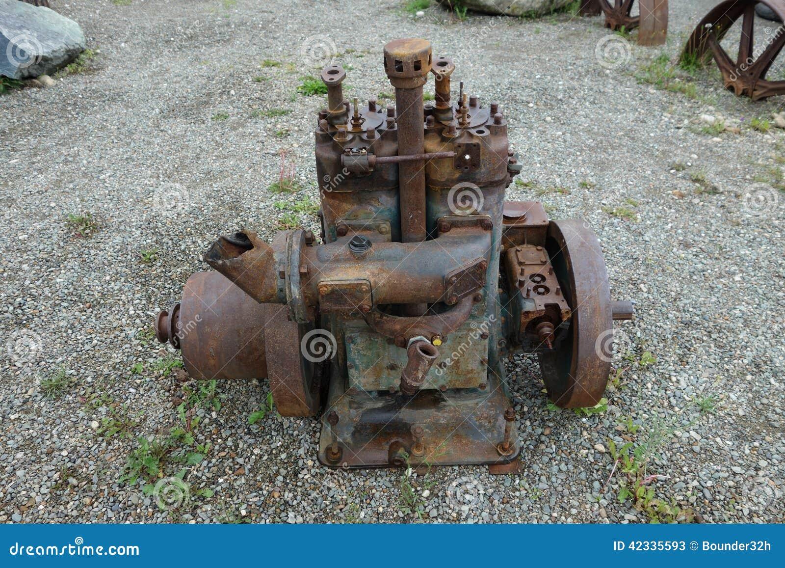 un vieux moteur diesel stationnaire photo stock image 42335593. Black Bedroom Furniture Sets. Home Design Ideas