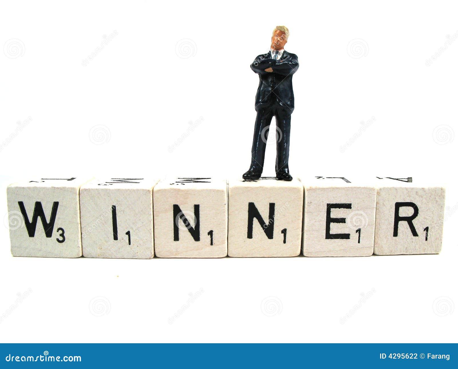 Un vincitore reale che si leva in piedi sulla parola
