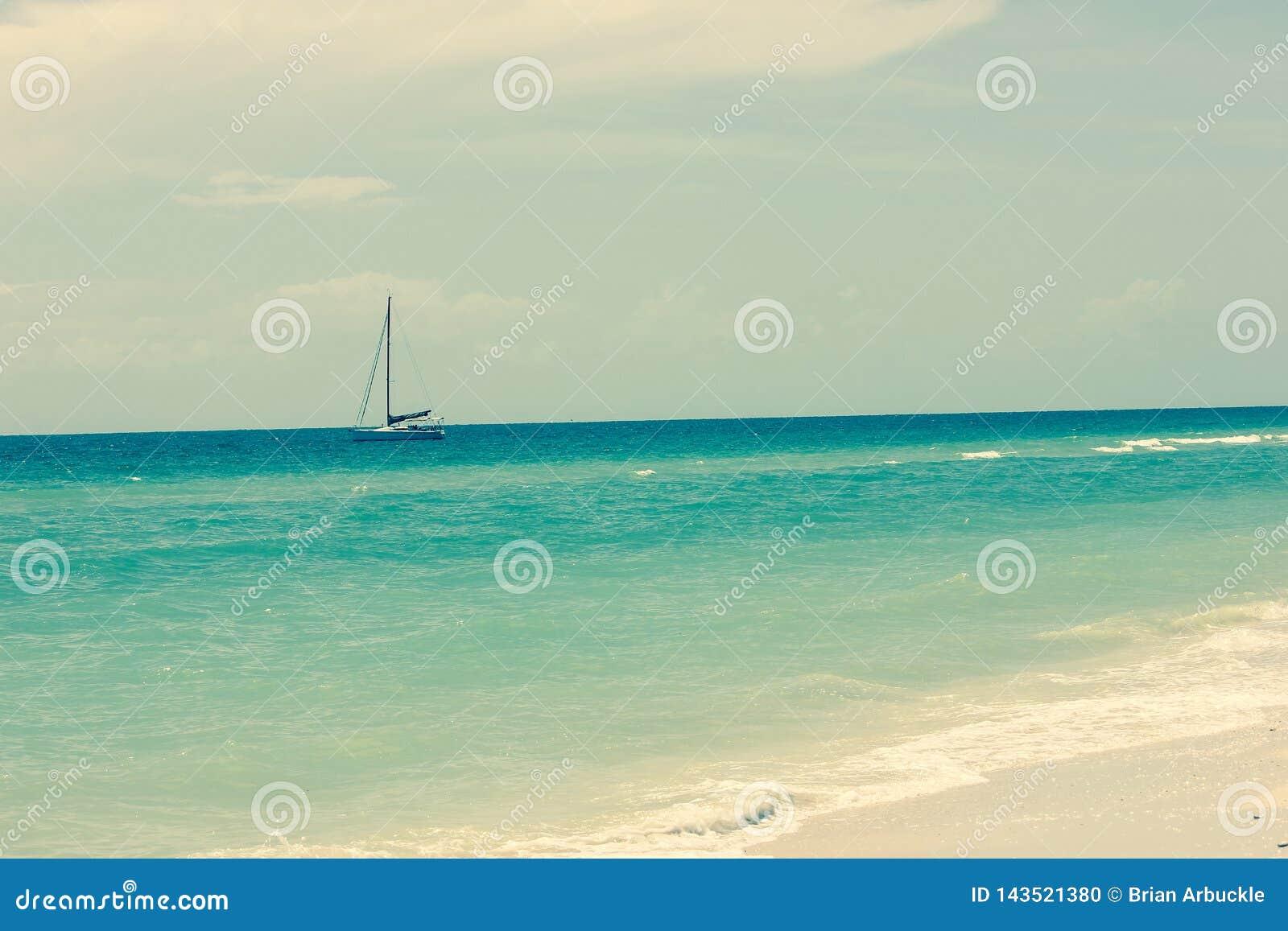 Un voilier dans l océan