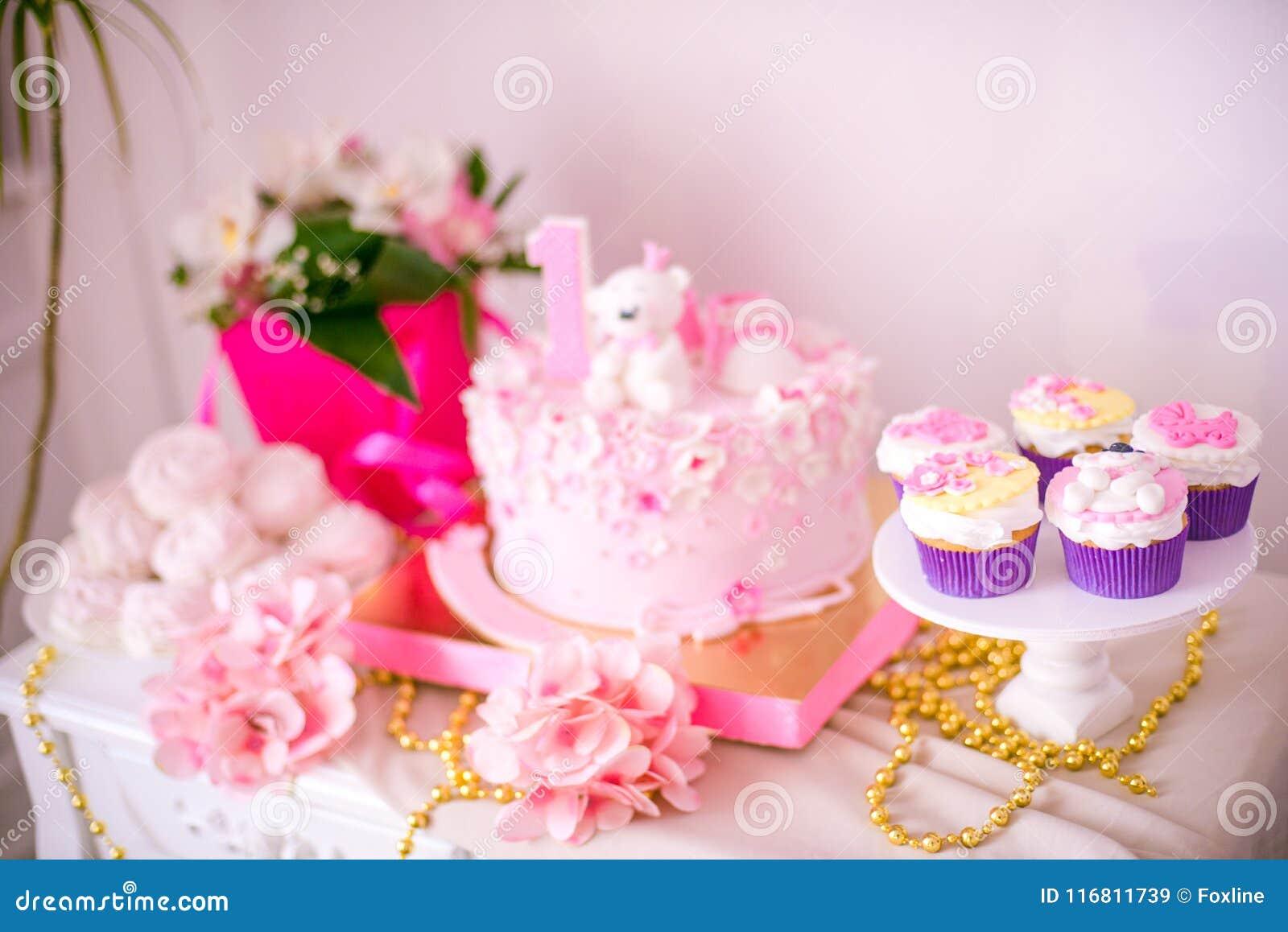 Una barra di caramella deliziosa adorabile nei colori dell oro e di rosa per una piccola principessa sul suo primo compleanno