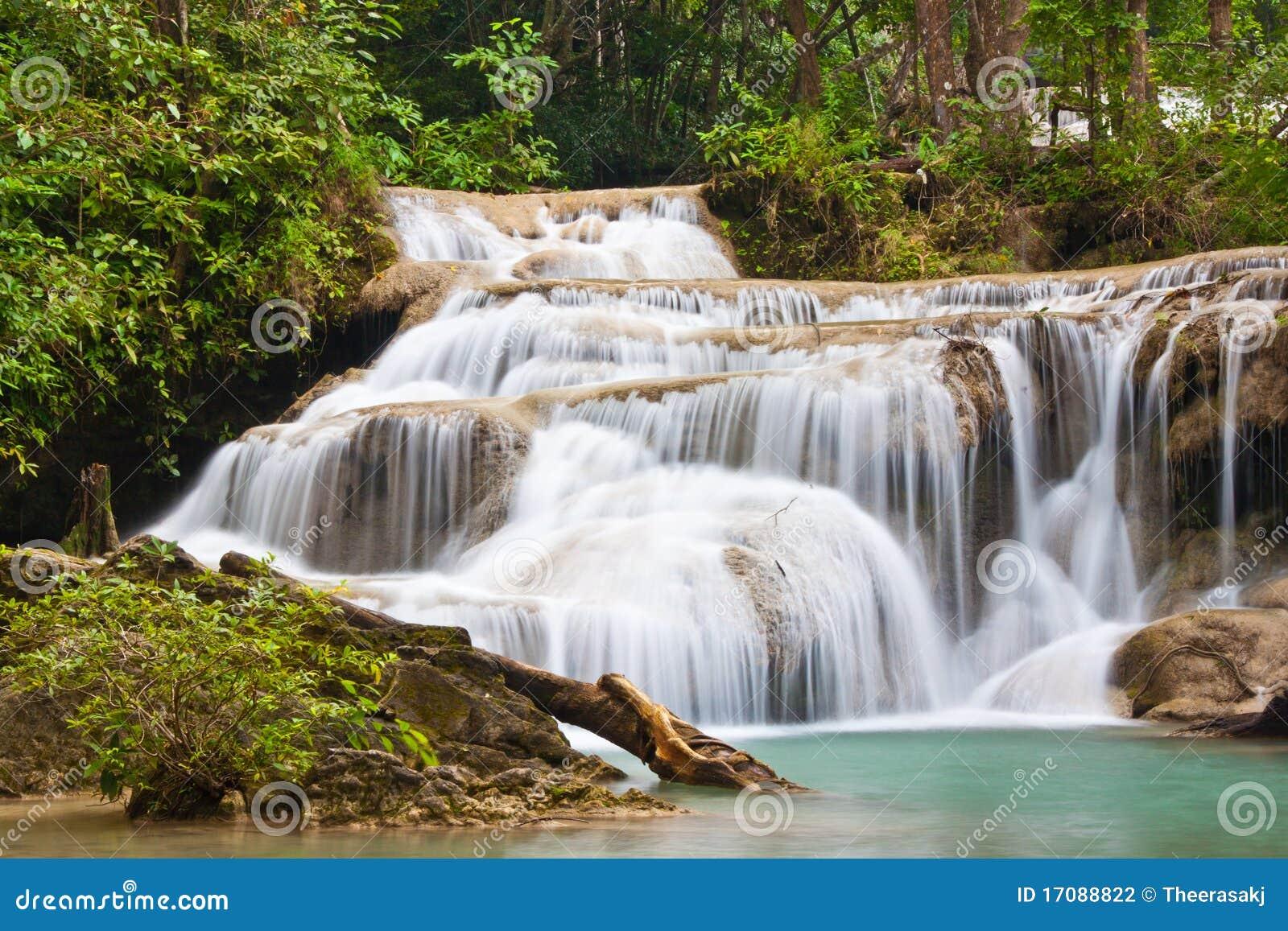 Una bella cascata in Tailandia