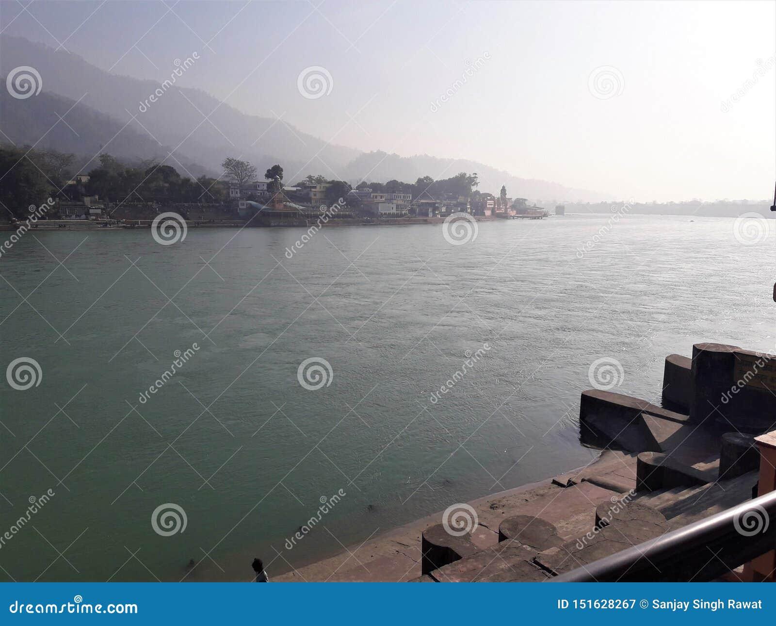 Una bella vista del Gange santo