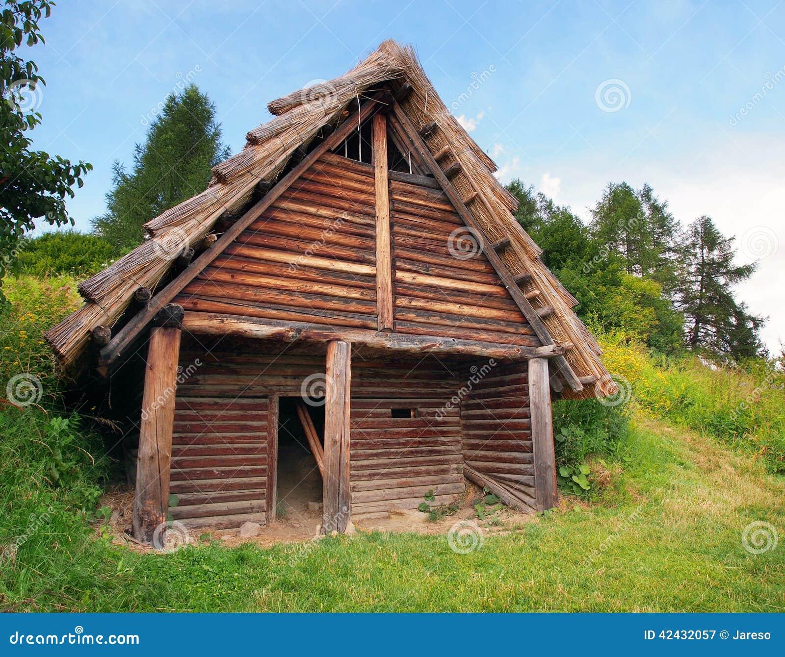 Una cabaña de madera céltica, Havranok, Eslovaquia