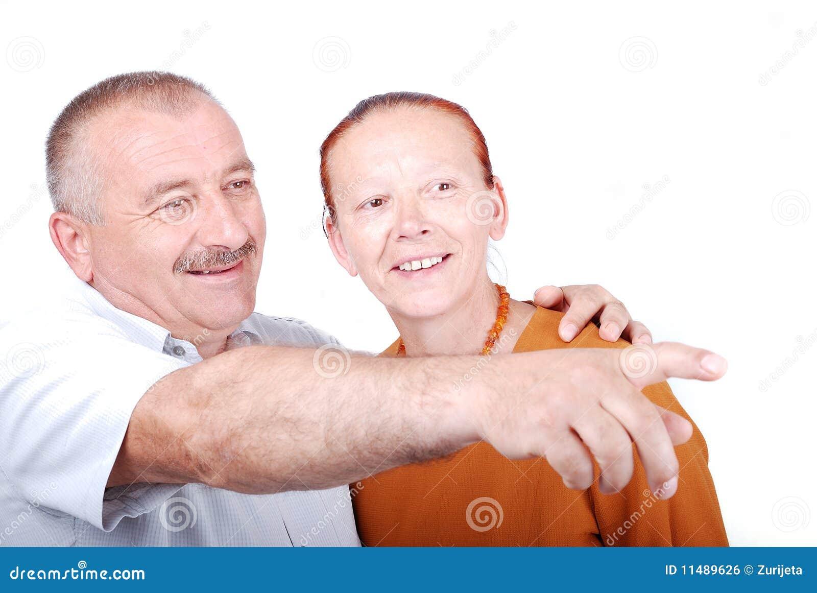 Una coppia anziana felice