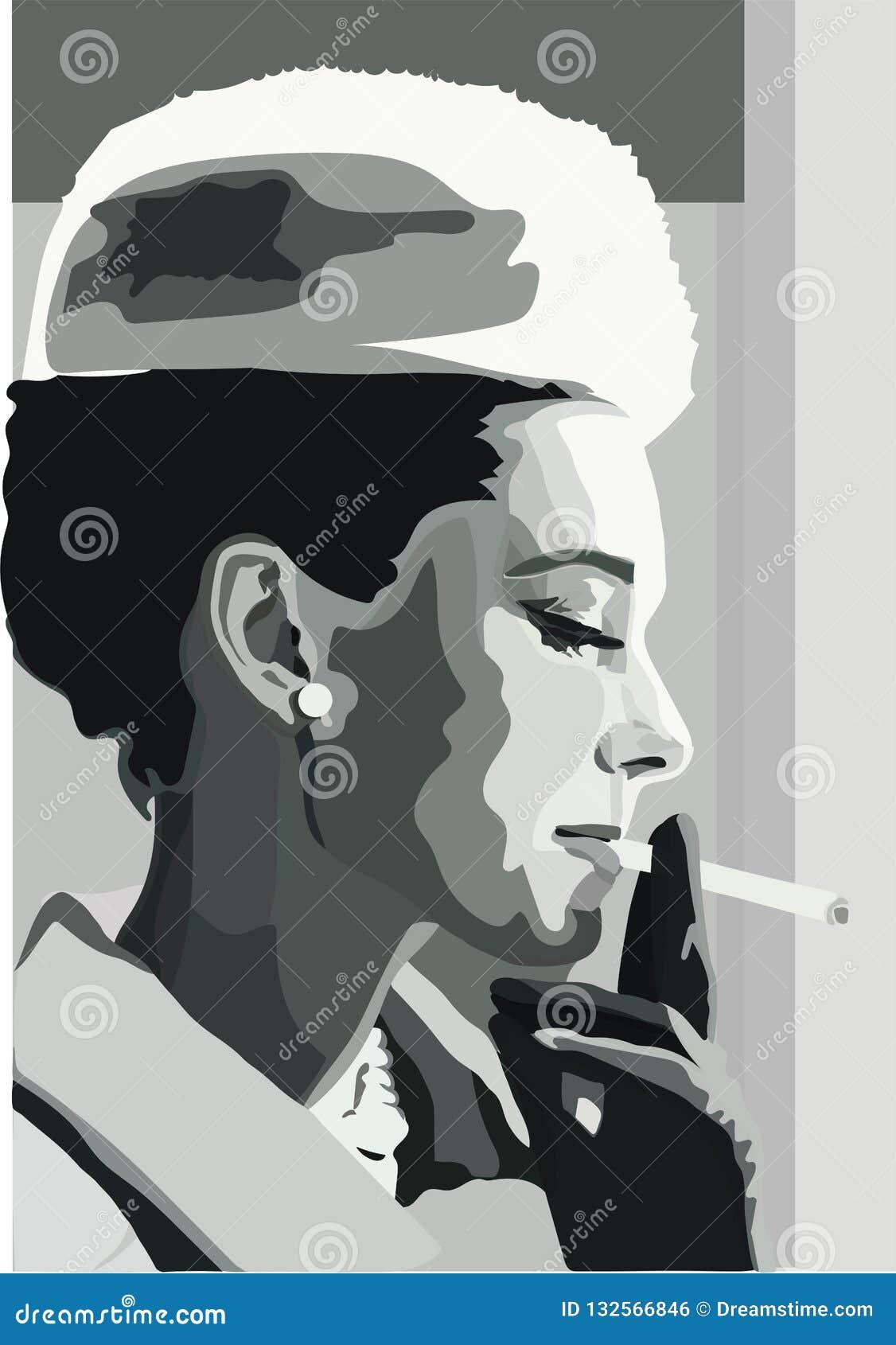 Una donna molto elegante con la sigaretta