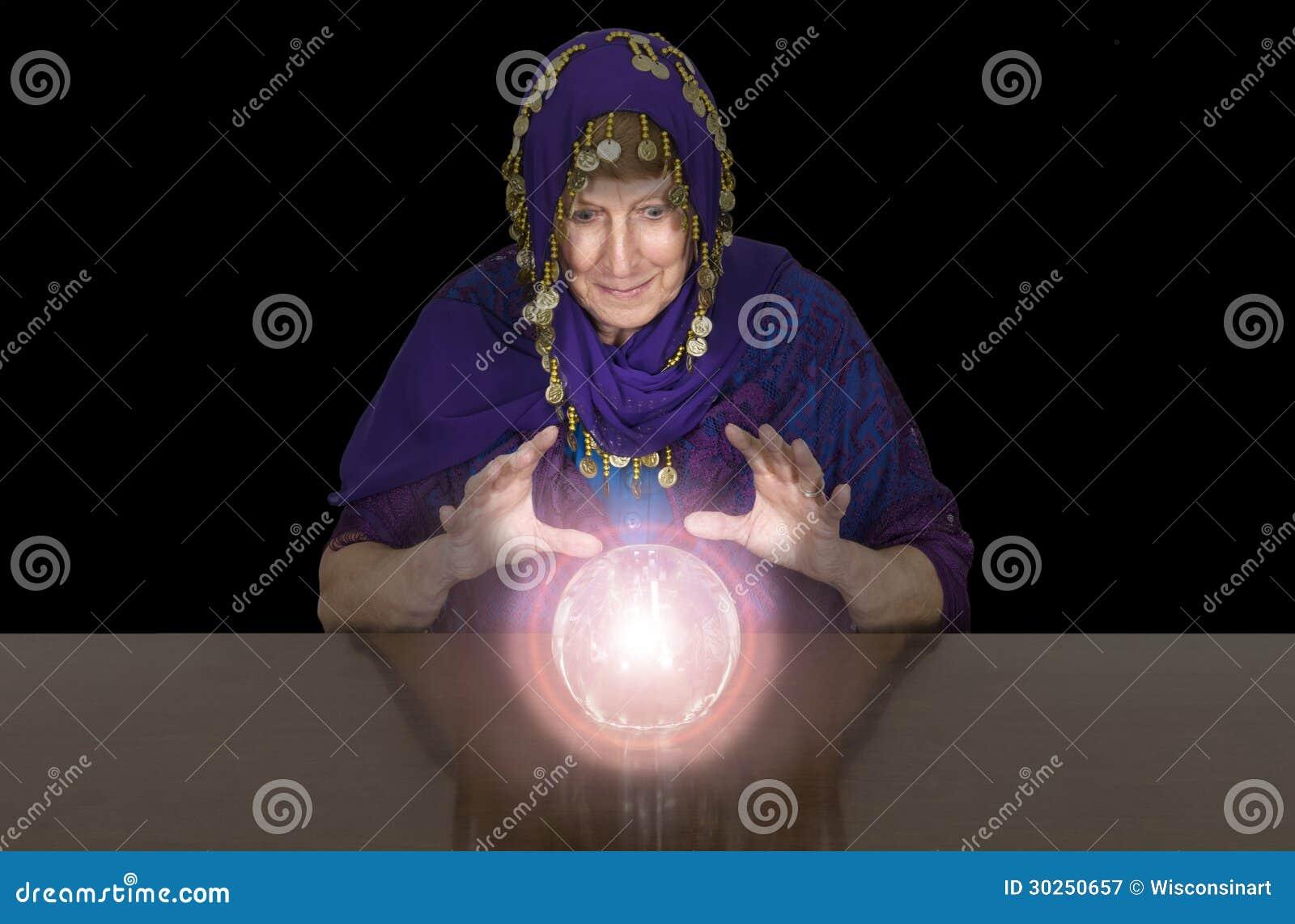 Zingaro senior maturo della donna, cassiere di fortuna, Balll di cristallo