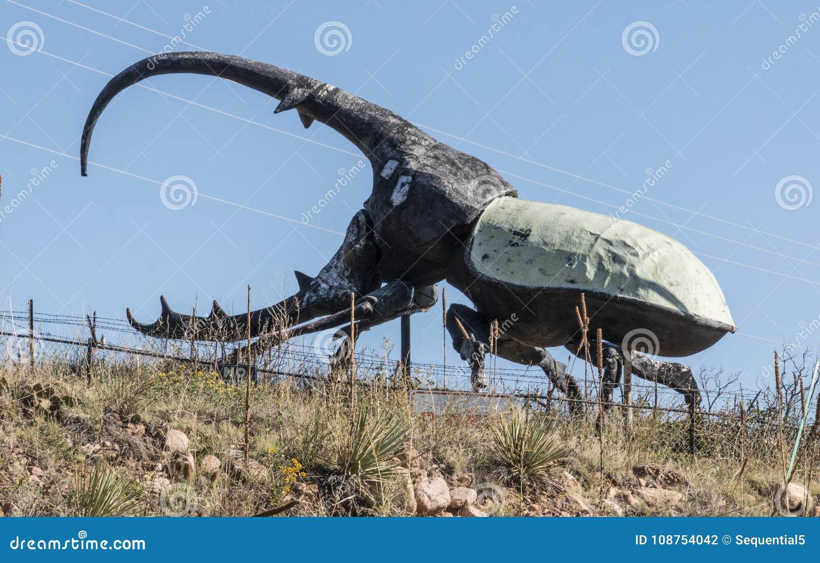Una Escultura De Un Escarabajo Del Oeste Grande De Hércules Del ...