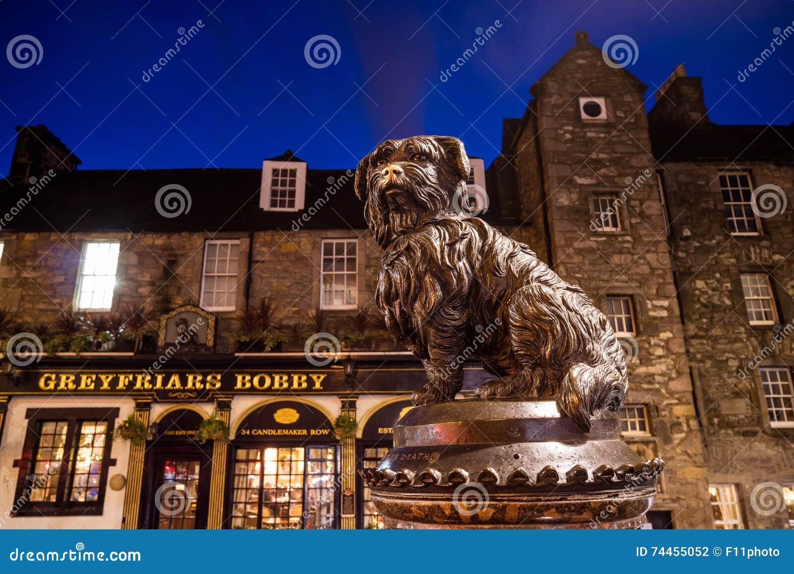 Una estatua de Greyfriars Bobby en Edimburgo