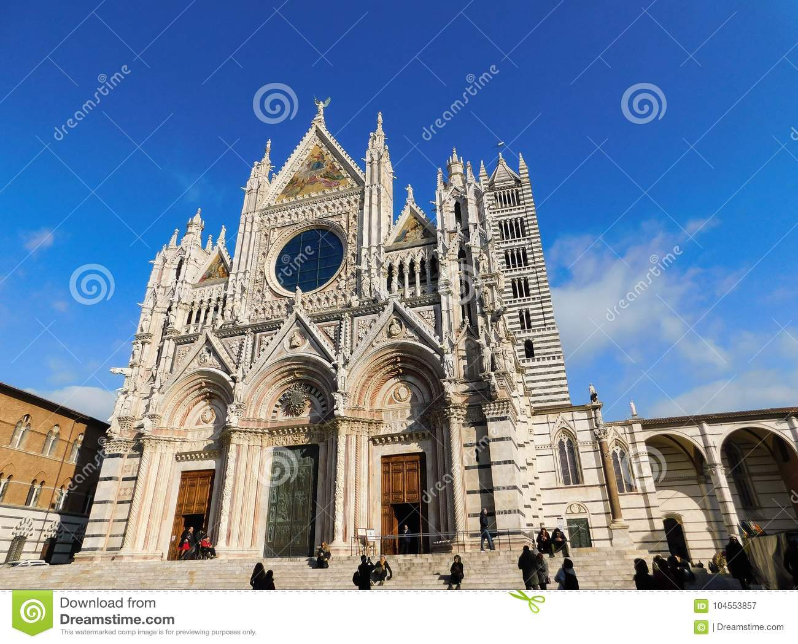 Una iglesia en Siena, Italia