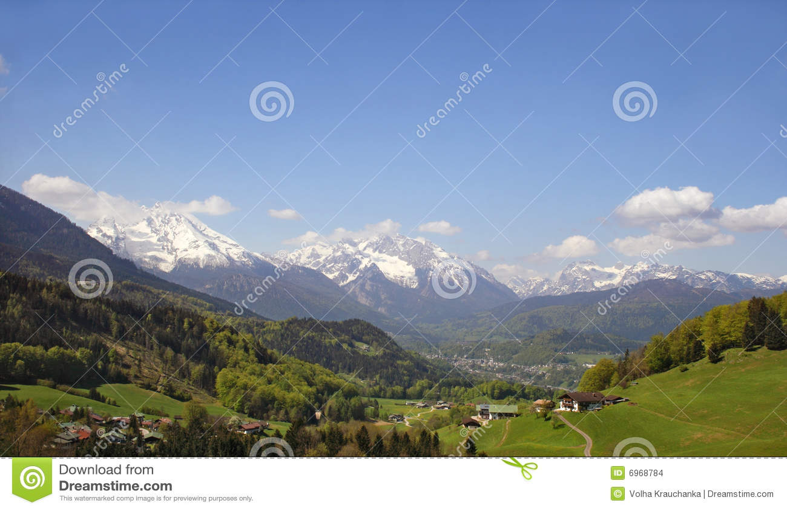 Una piccola città alpina