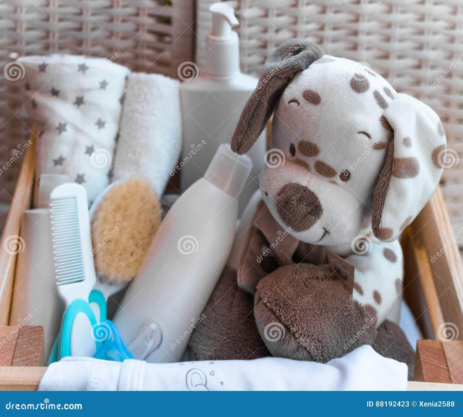 Cosas De Madera Para Bebes.Una Pila De Las Cosas De Los Ninos Juguetes Pacificador En