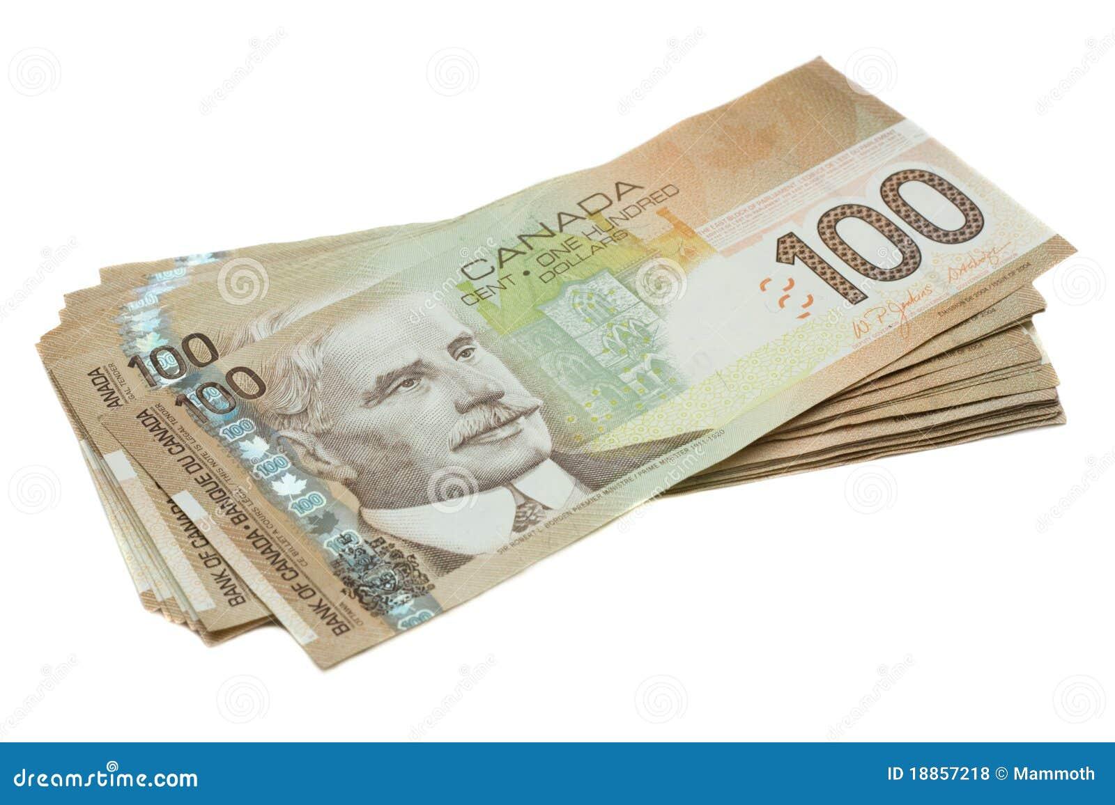 Una pila del canadiense cientos cuentas de dólar