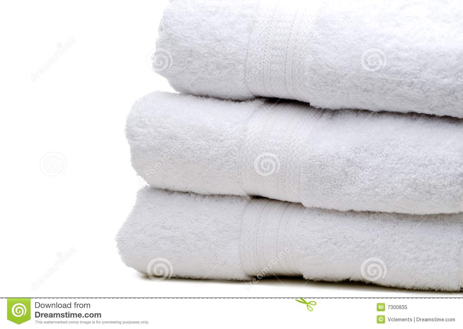Una pila di tovaglioli bianchi