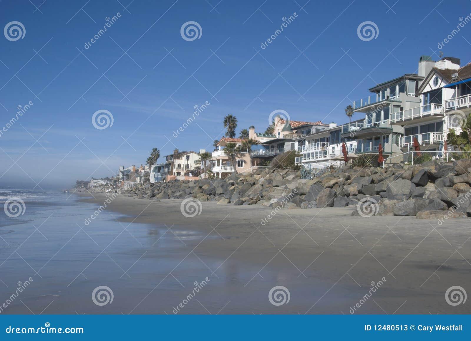 Una playa meridional de California