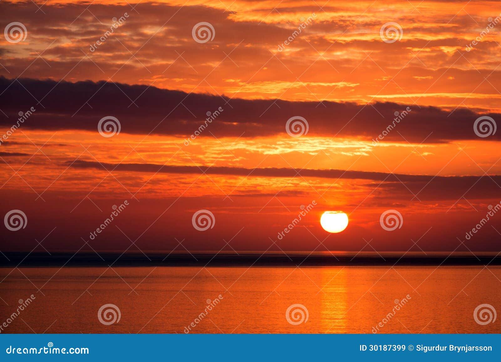 Puesta del sol en Islandia