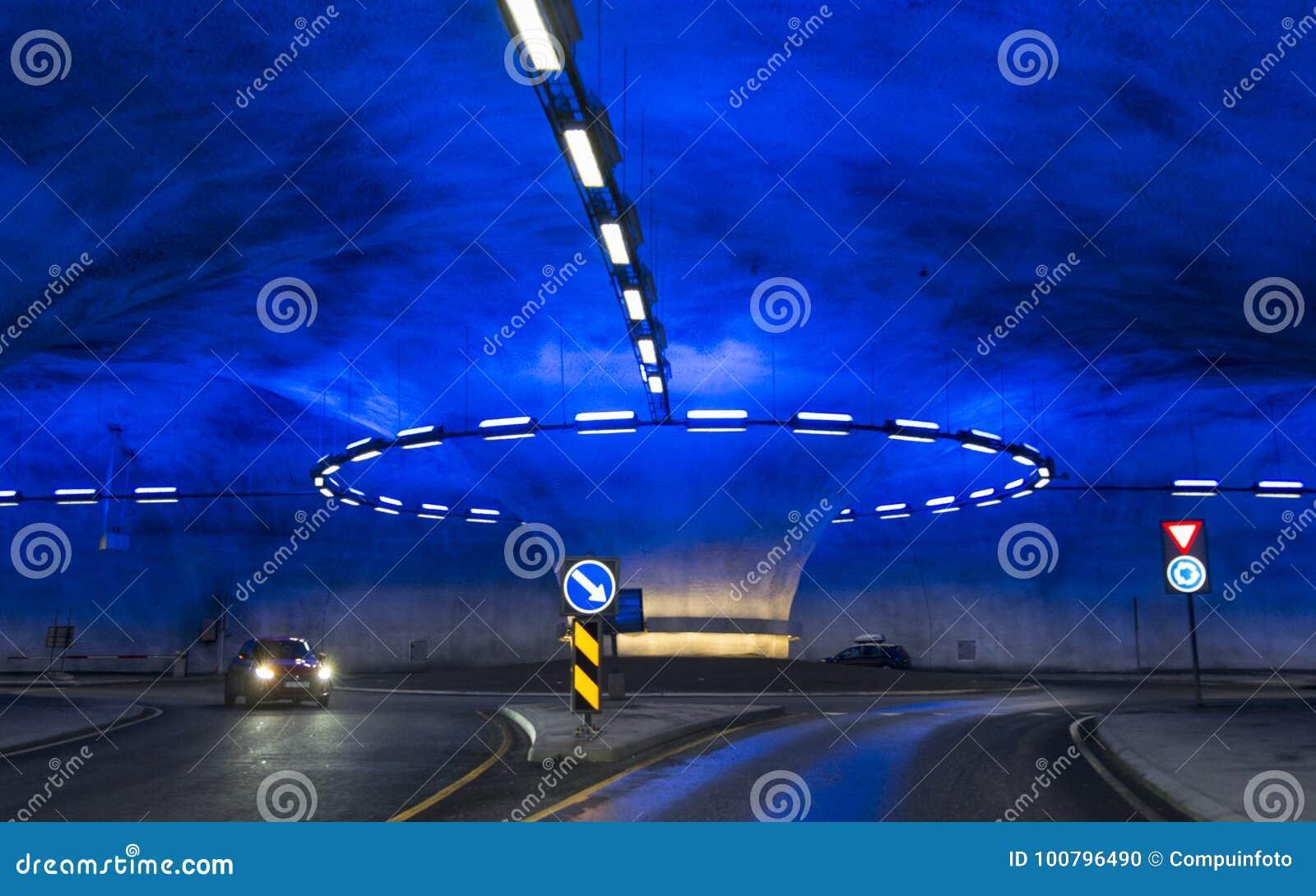 Una rotonda nel tunnel di Vallavik