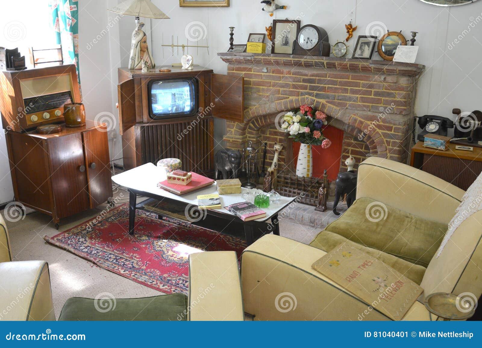 Una sala de estar de los a os 50 de los a os 40 con - Muebles anos 50 madrid ...
