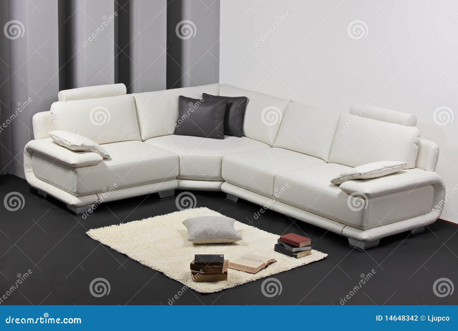Una sala de estar minimalista moderna con muebles foto de archivo imagen 14648342 for Salas modernas precios