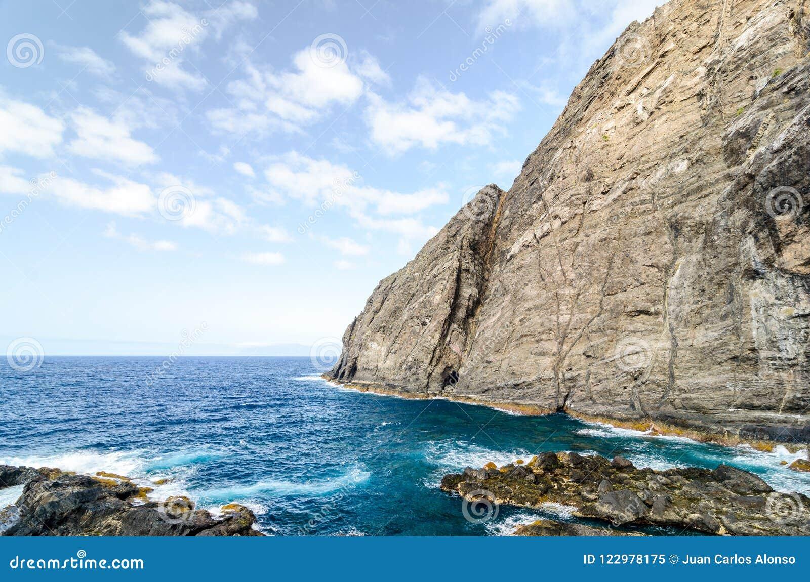 Una scogliera nell isola di Gomera della La, isole Canarie