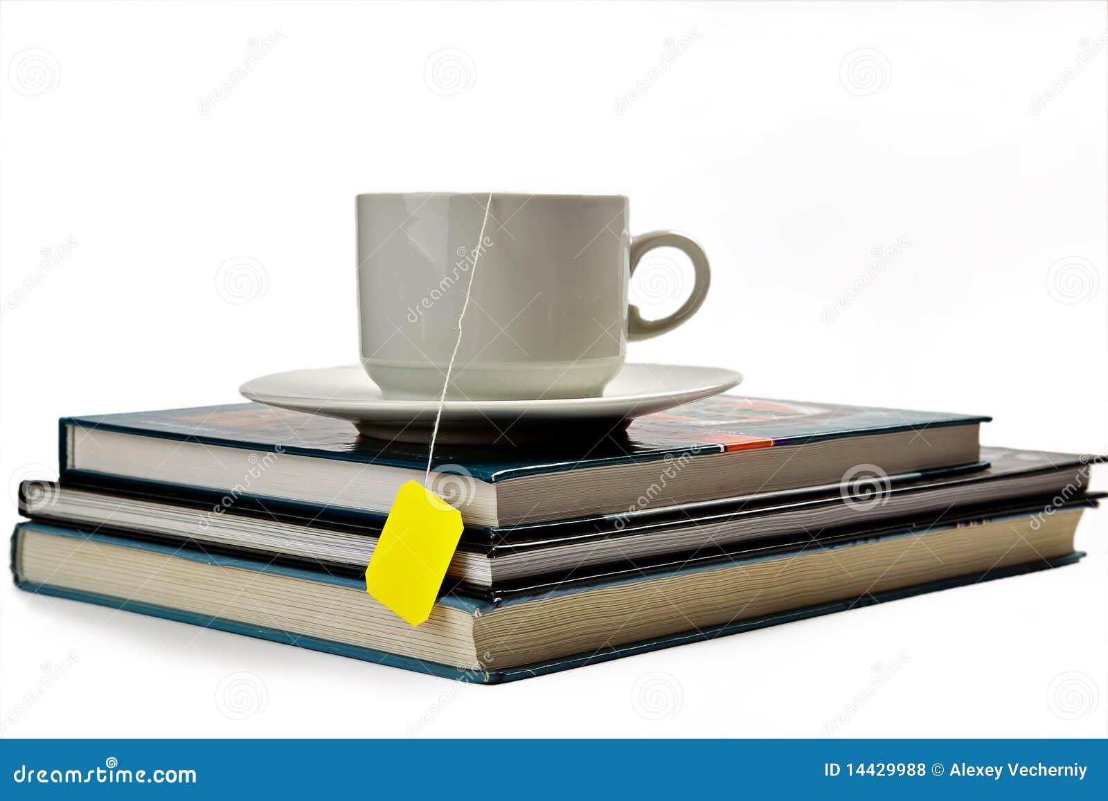 Una taza de té y de libros