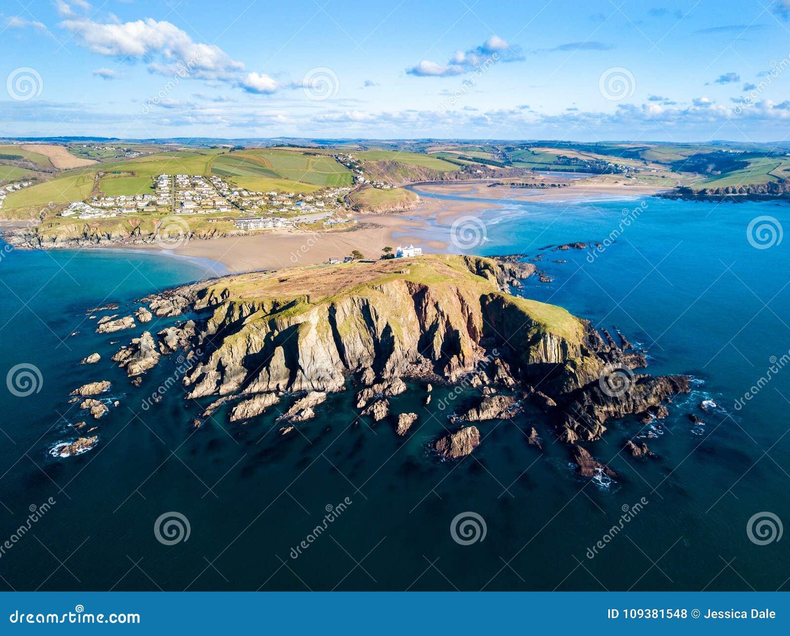 Una vista aerea di Bigbury sul mare in Devon, Regno Unito