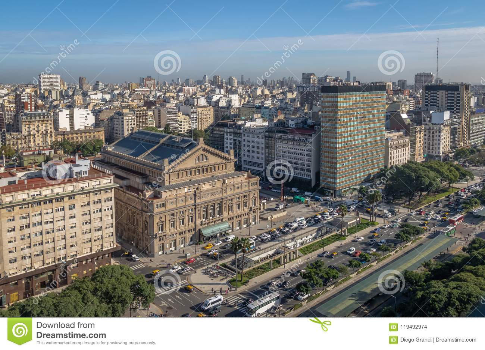 Una vista aerea di 9 de Julio Avenue - Buenos Aires, Argentina