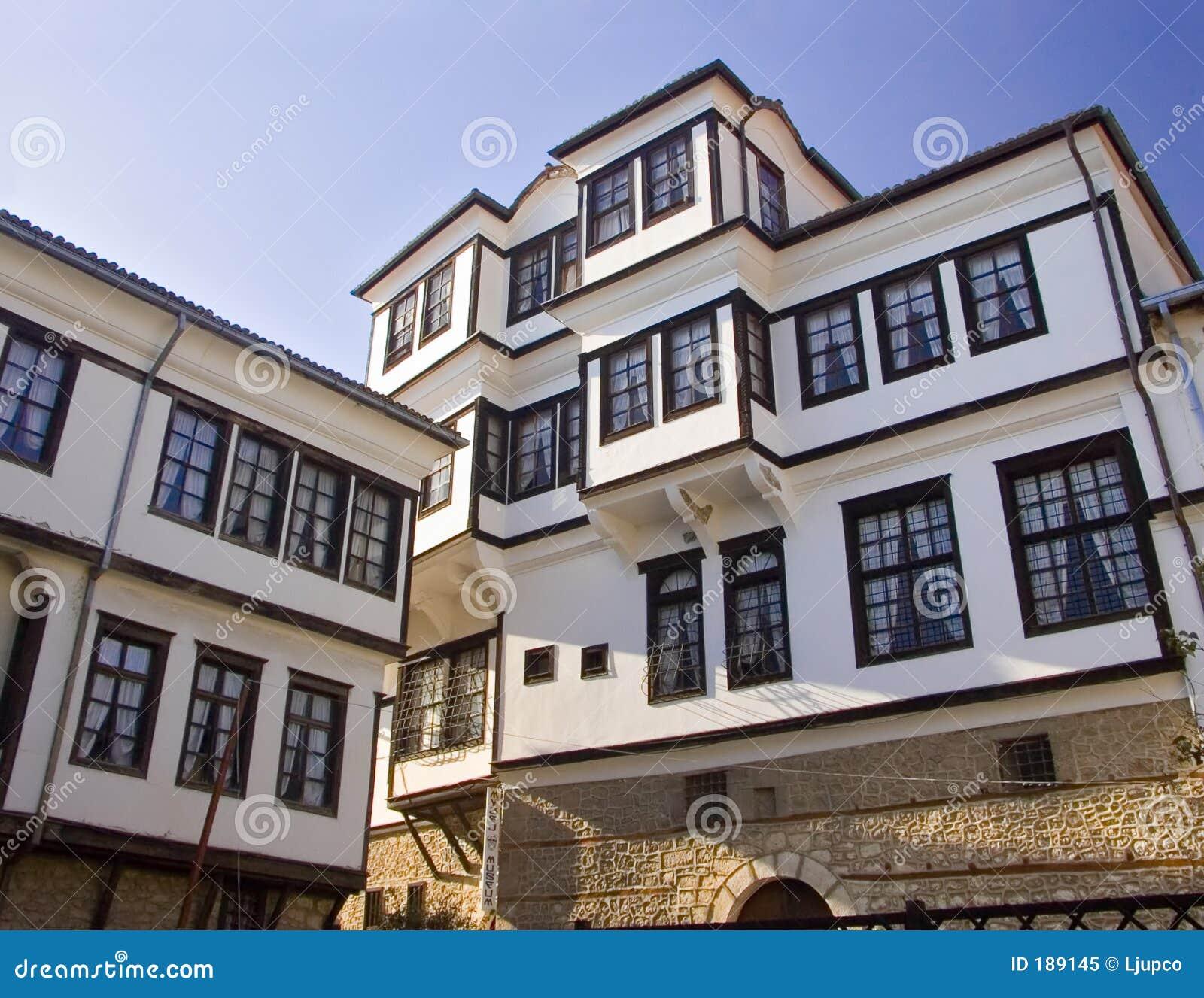 Una vista di una casa tradizionale