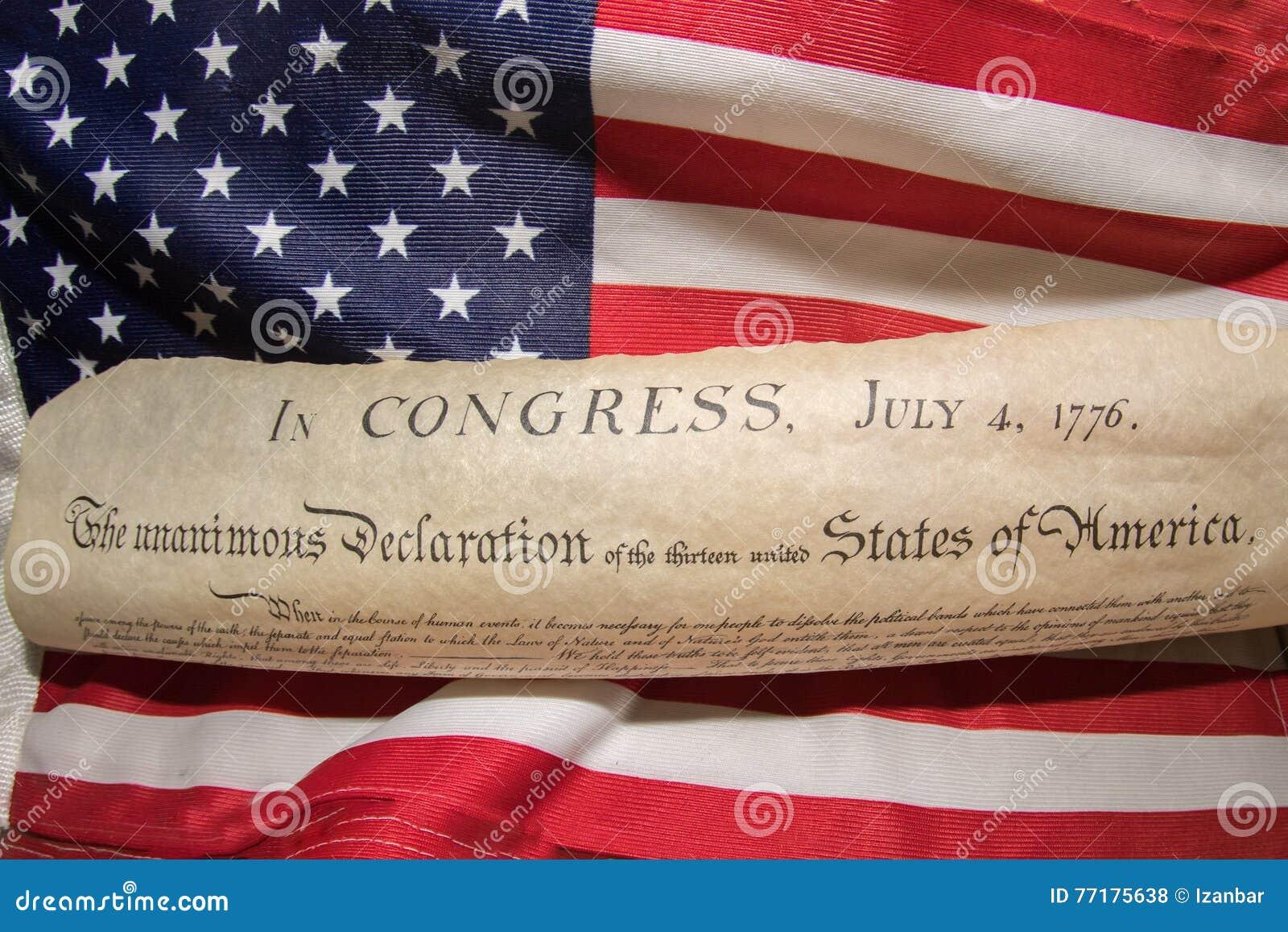 Unabhängigkeitserklärung am 4. Juli 1776 auf USA-Flagge