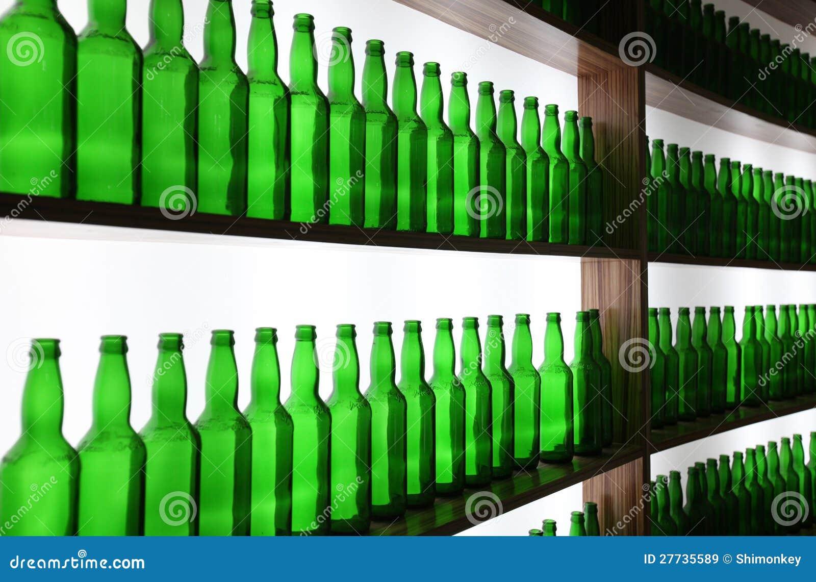 Unbelegte Bierflaschen