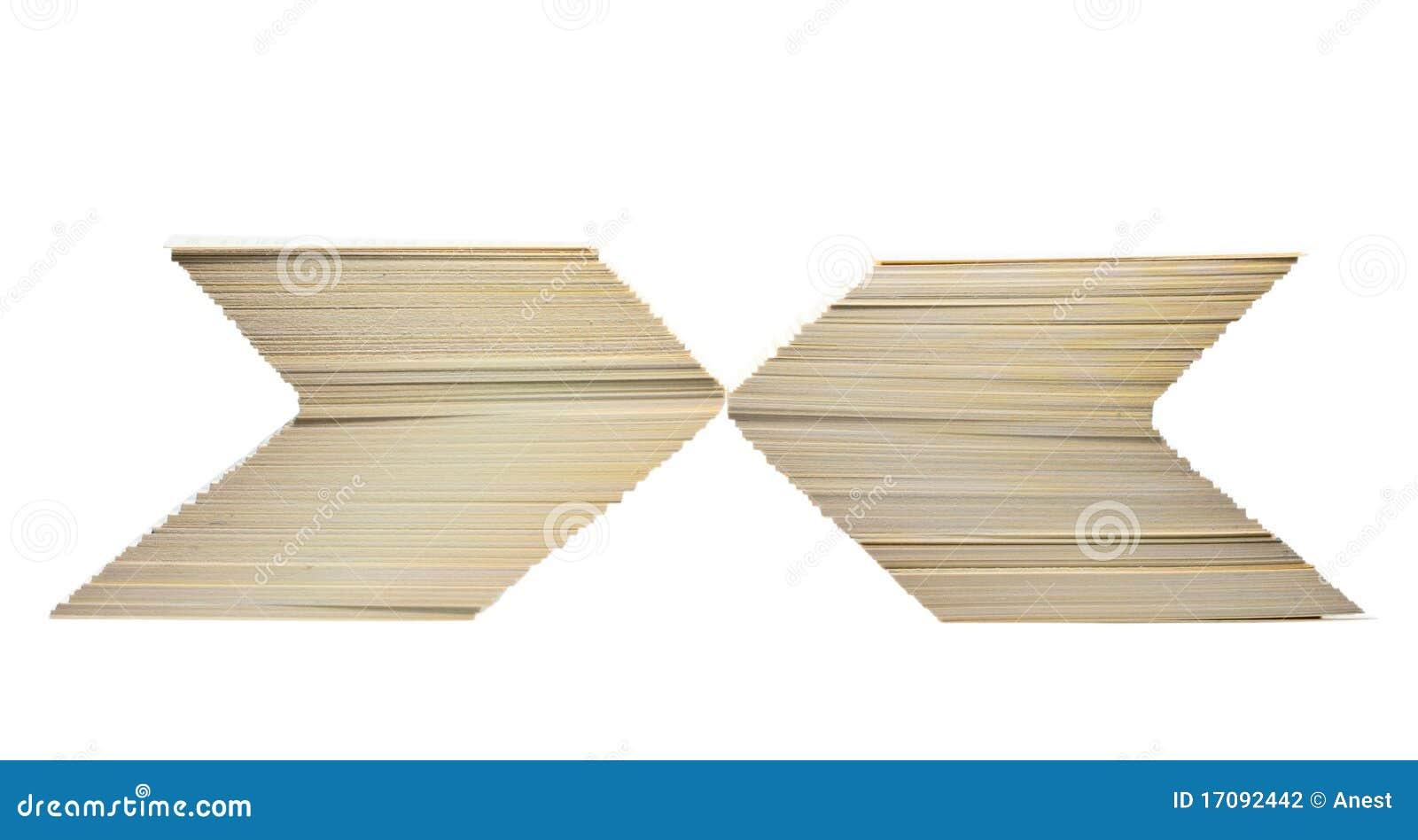 Unbelegte Karten gestapelt im X-Zeichen