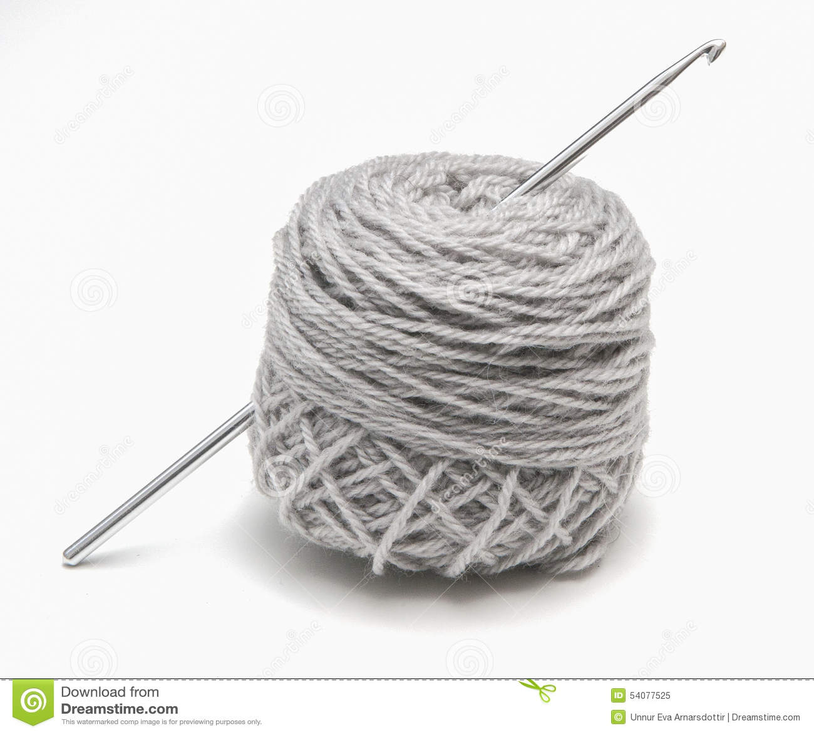 Uncinetto in una palla di filato
