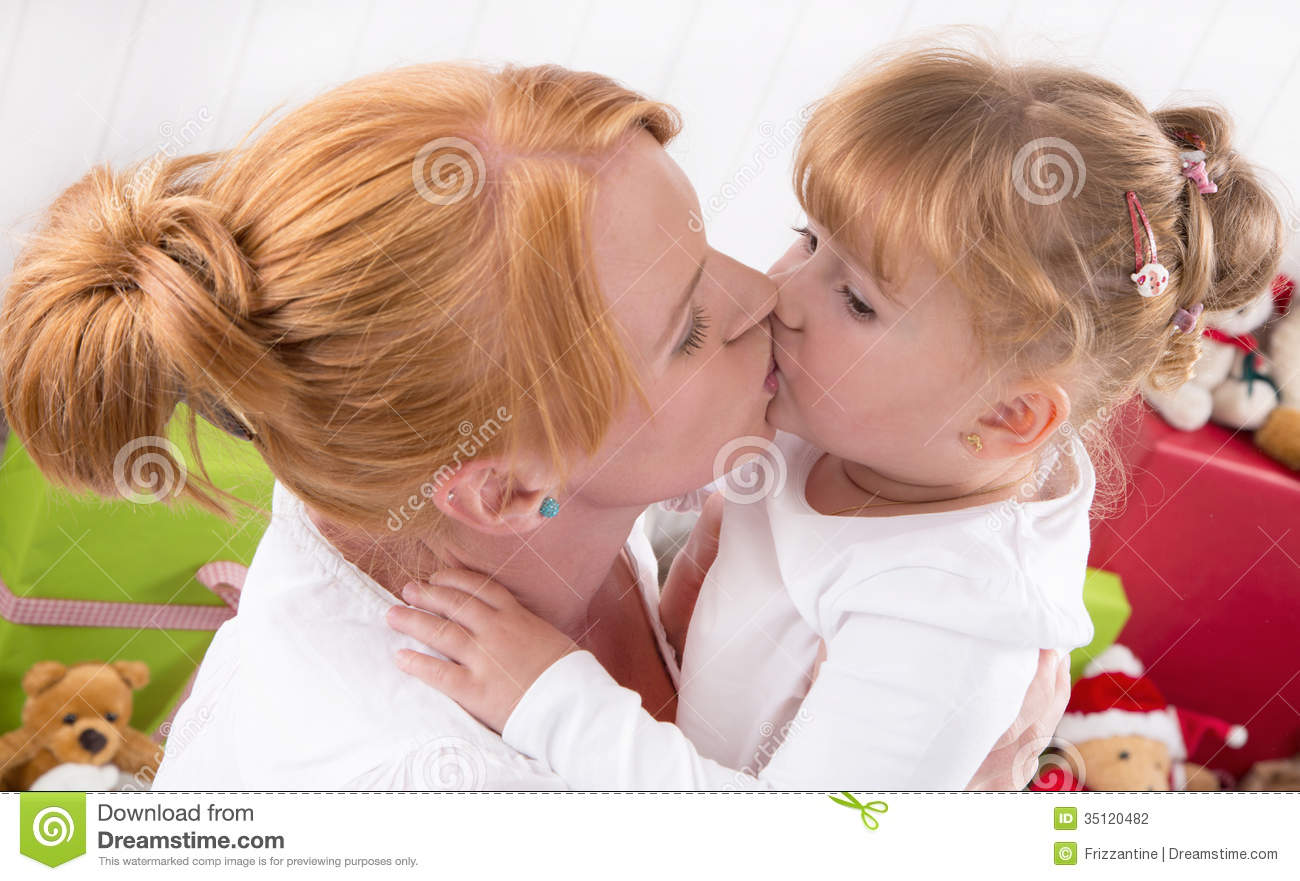 woman and her child relationship