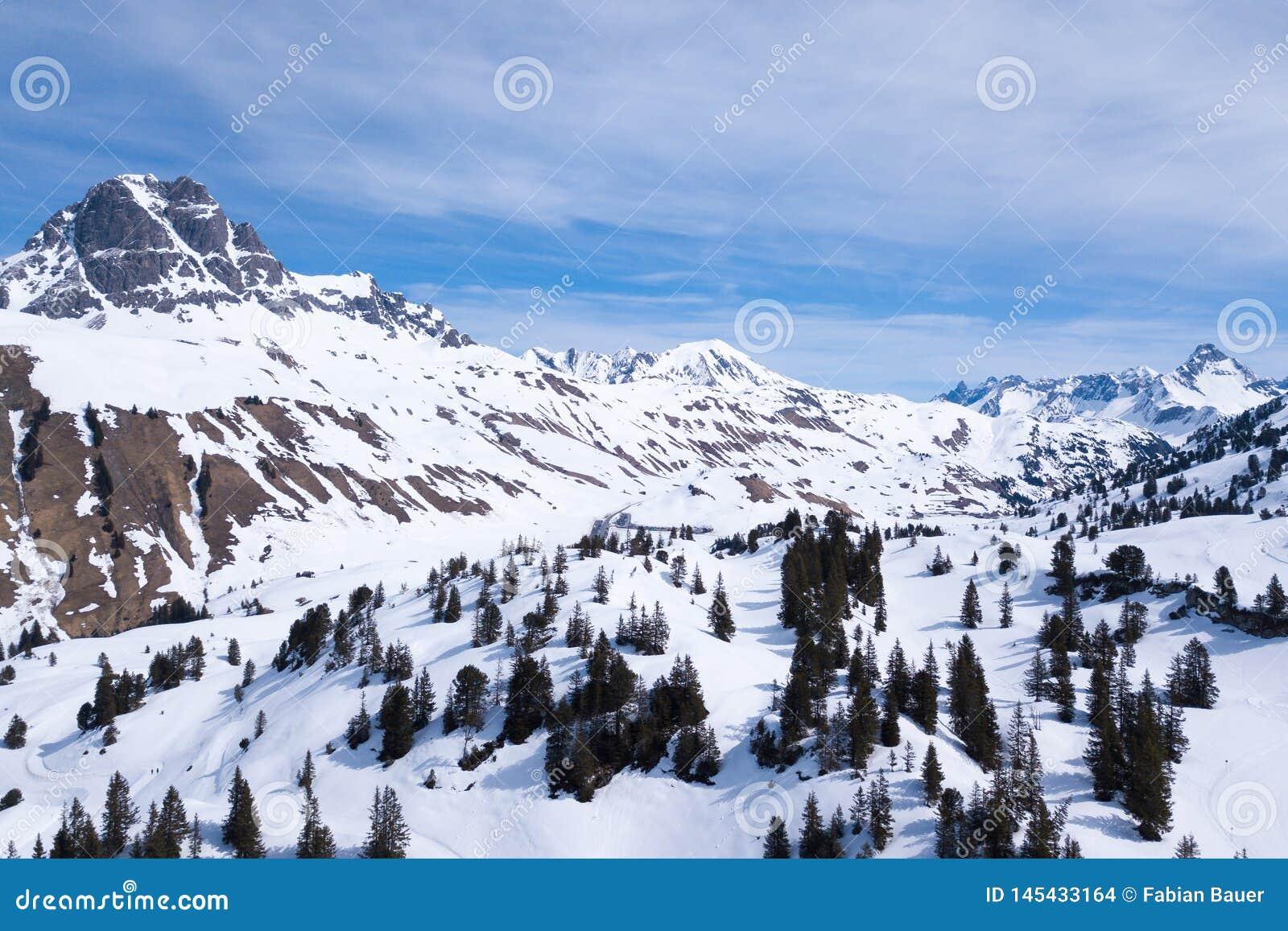 Und Wandergebiet Voralberg лыжи