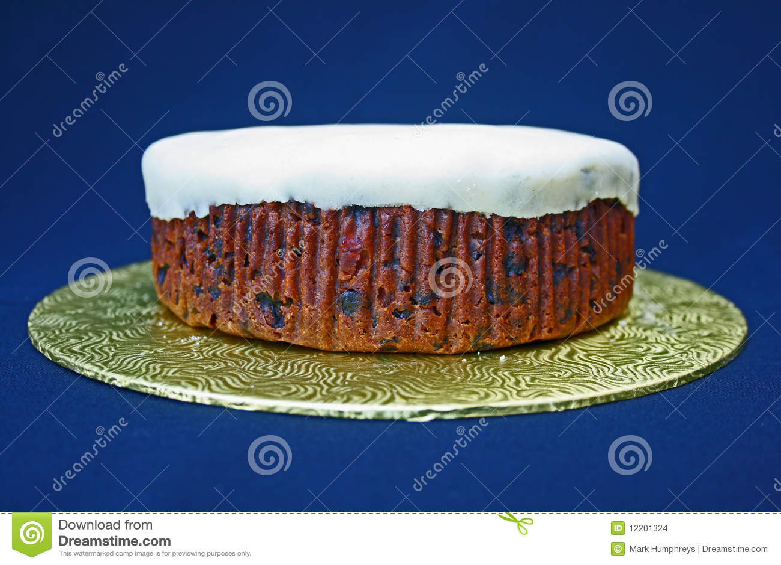 Undecorated Kuchen.