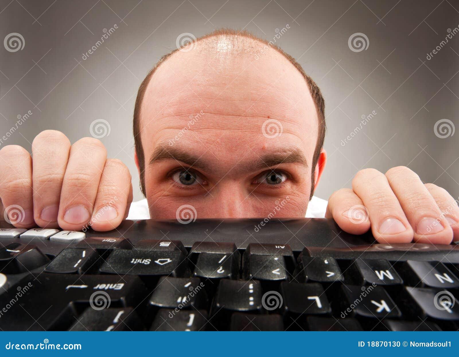 Under för nerd för datornederlagtangentbord blygt