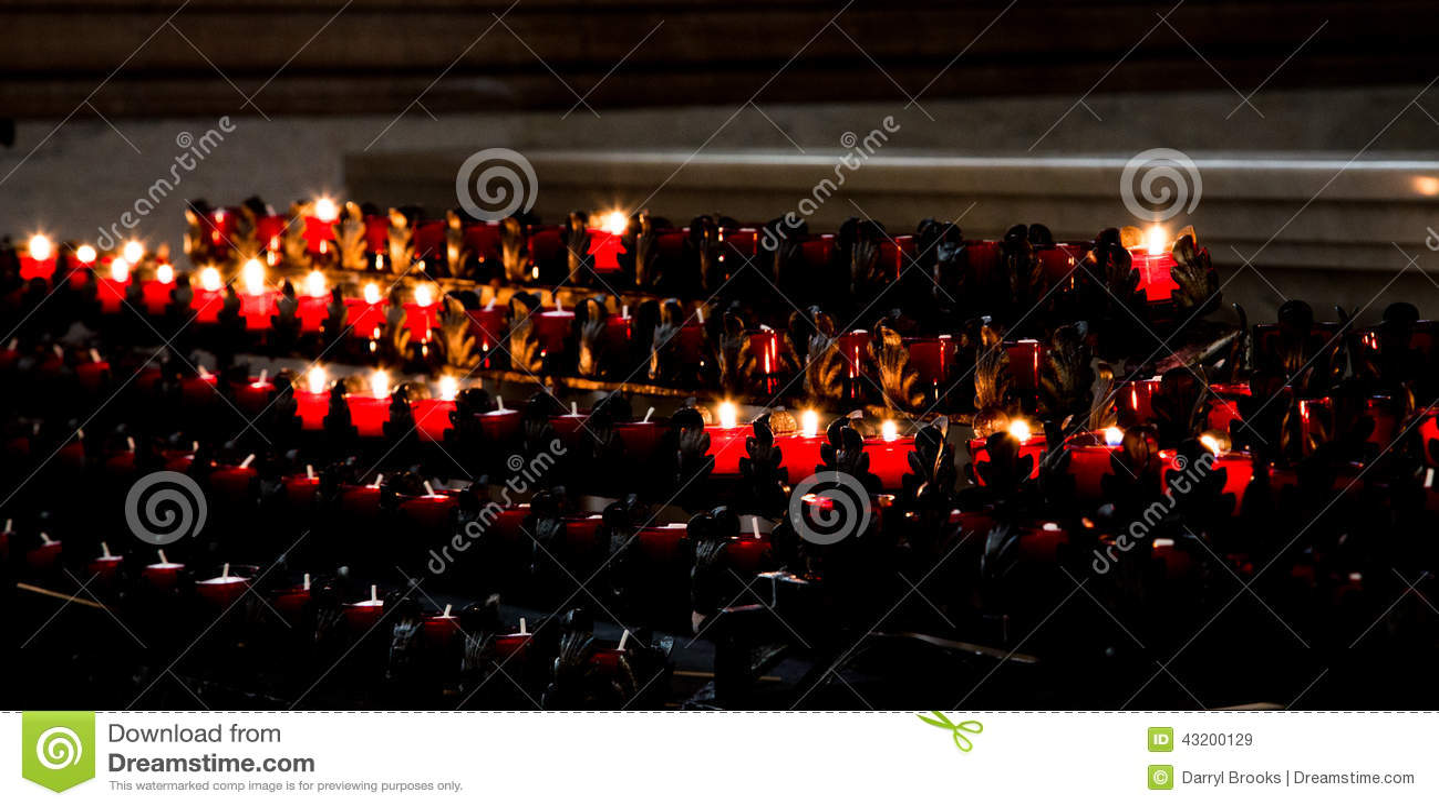 Download Undersöker katolsk kyrka fotografering för bildbyråer. Bild av klosterbroder - 43200129