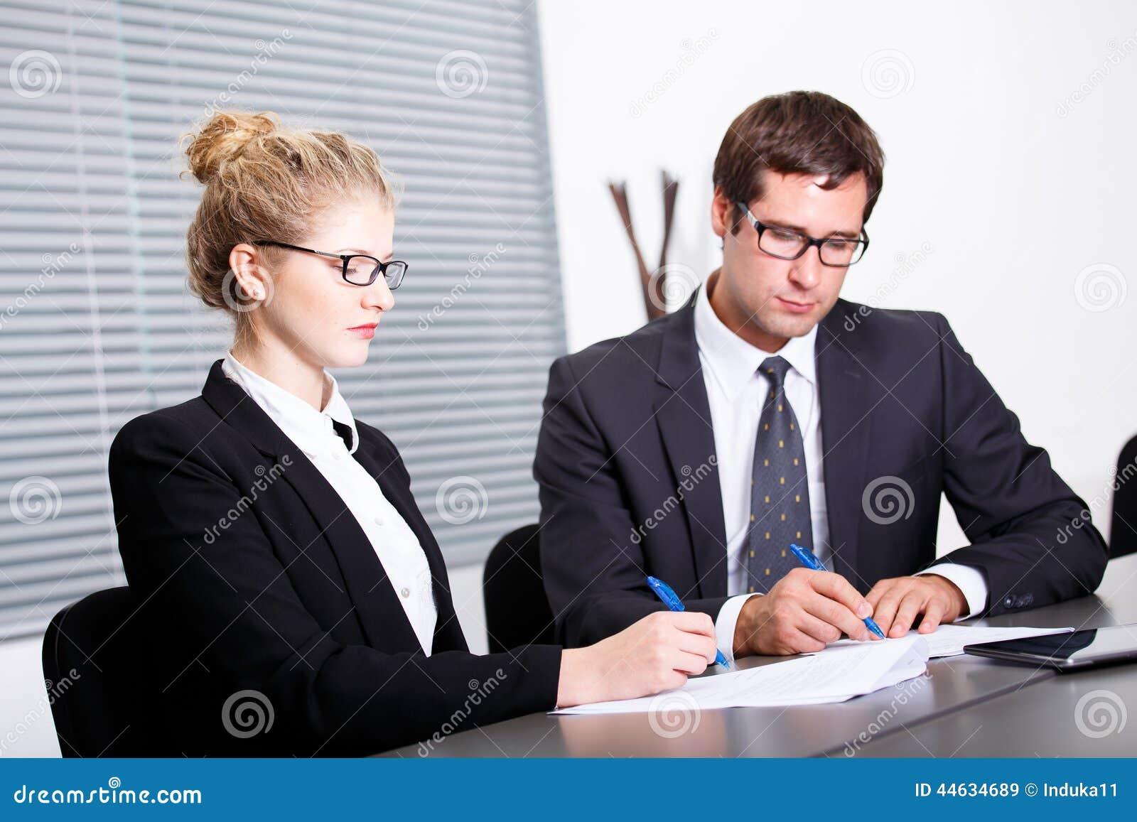 Undertecknande nytt affärsavtal