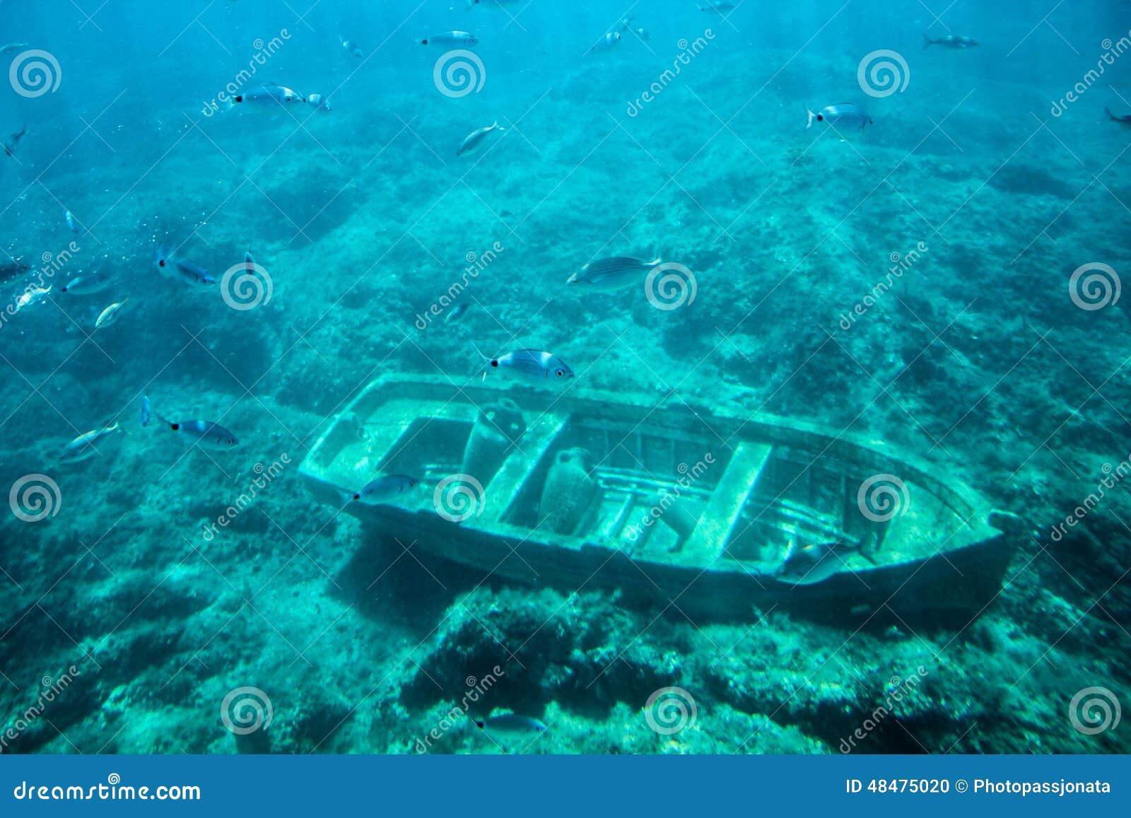Undervattens- gammalt fartyg
