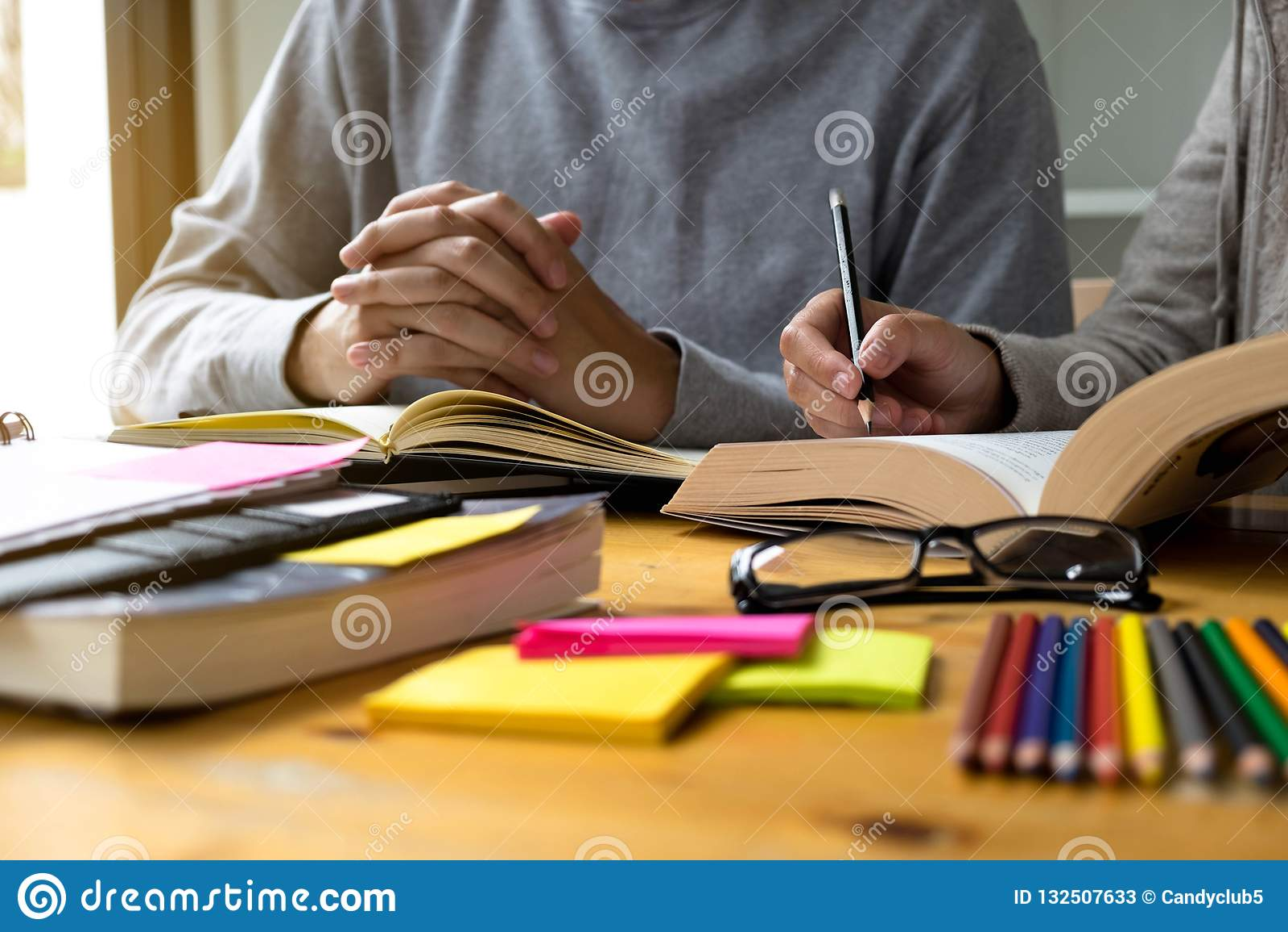 Undervisning för studenthjälpvän och läraämne extra I