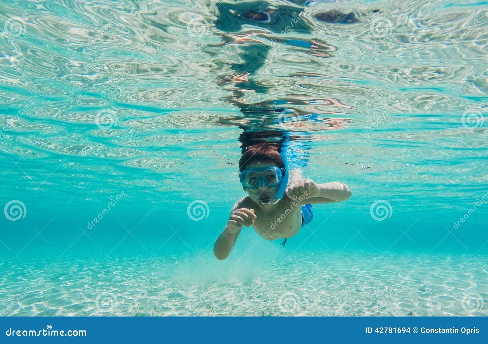Underwater nature study