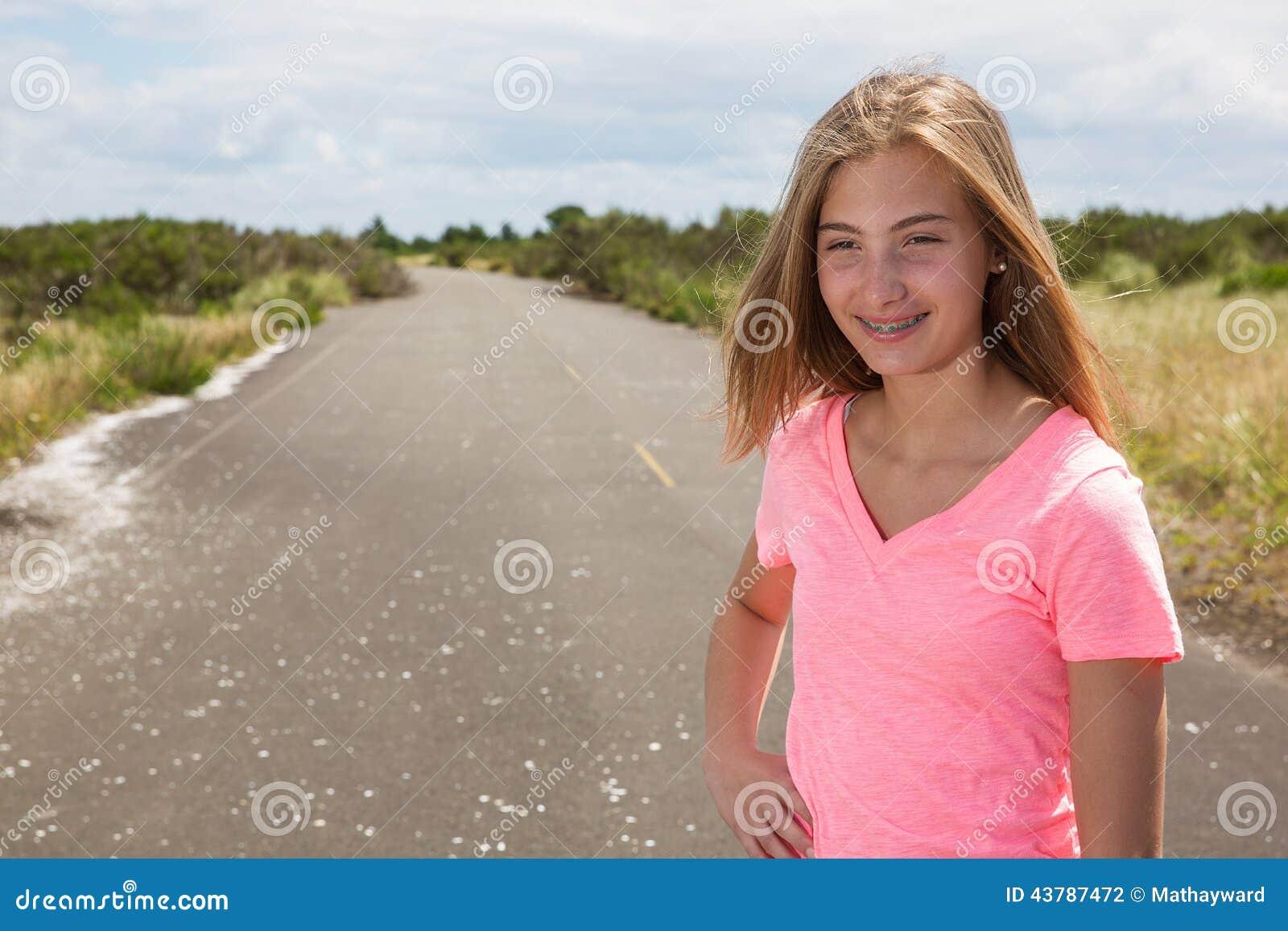 photo nue de la fille adolescente