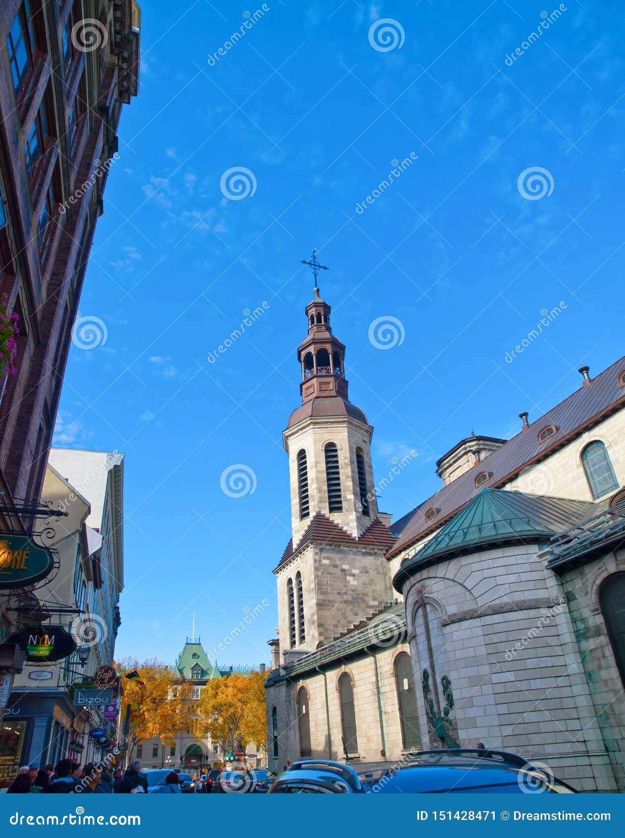 Une balade autour de vieille église du Québec